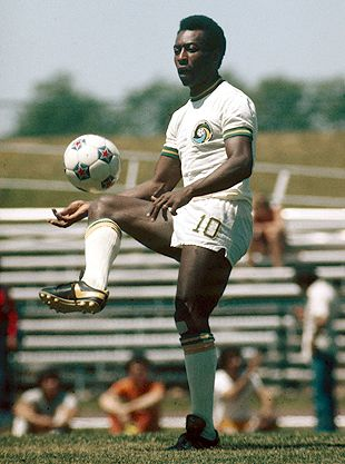 NASL Soccer New York Cosmos 75-76 Home Pele Striped Sleeves (2)
