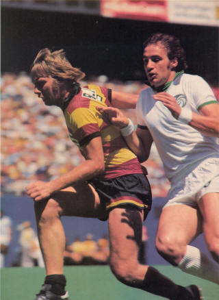 Ft. Lauderdale Strikers New York Cosmos 1977 Bobby Bell, Giorgio Chinaglia 6