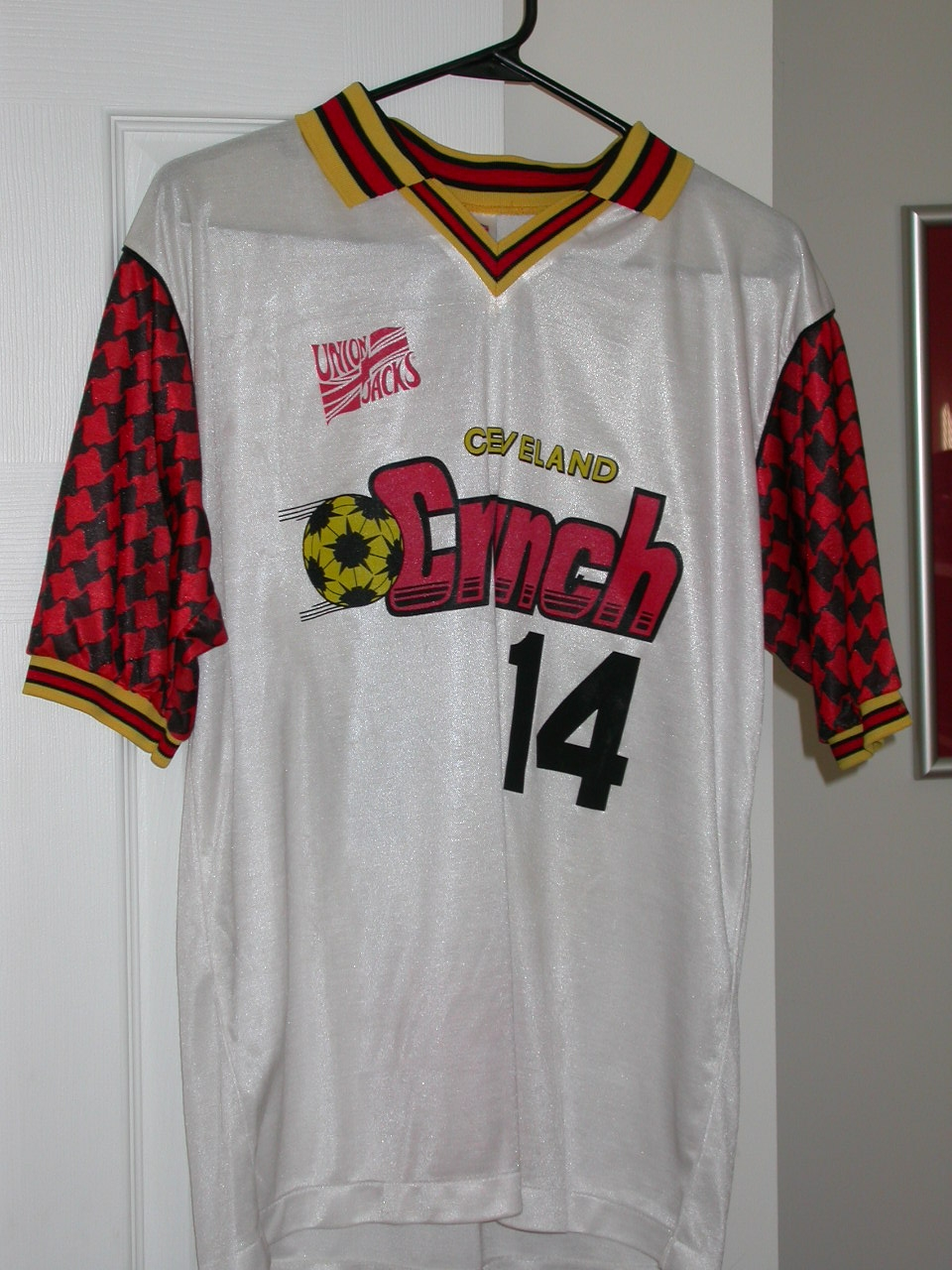c02bc8c7a42 Interesting houndstooth-ish sleeves for the Cleveland Crunch.