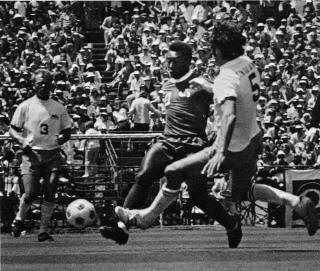 Sounders 75 Home Back Mike England, Griffiths Cosmos 7-5-75