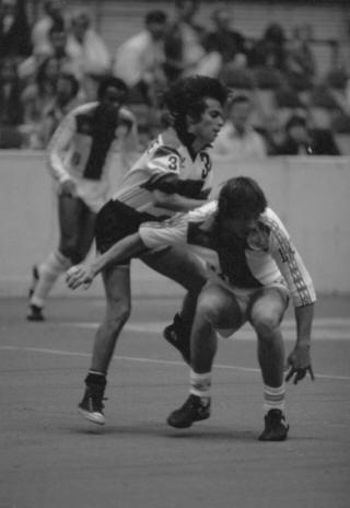 Strikers 79-80 Road Back Jeff Cacciatore, Tea Men